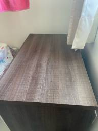 Mesa escrivaninha projetada