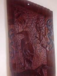 Quadro esculpido em massaranduba