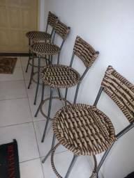 Cadeiras de balcão semi novo
