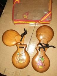 Castanholas importadas de madeira