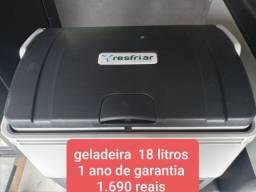 Geladeira de gabine 18 litros