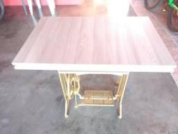 Mesa Rústica (decoração) restaurada
