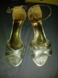 Sandália dourada 37