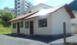 Alugo anual e comercial, casa geminada no Centro de Lages