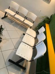 3 longarinas e 3 cadeiras