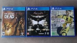 Batman Arkham Knight e mais 2 jogos PS4