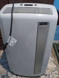 Ar condicionado portátil Pac AN120 da Delonghi.