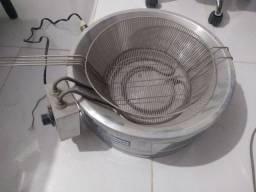 Vendo fritadeira redonda r$300/  2 cortador de batata r$130