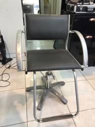 Cadeira para salão R$: 450,00
