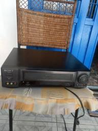 Vendo um vídeo cassete Sony