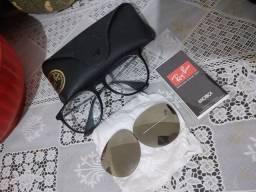 Armação de óculos de grau, com lentes solar.