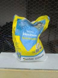 Rejunte para piscina Quartzolite 10 sacos de 5 kg