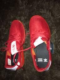 Tênis Adidas nº 39
