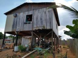 Casa de madeira no bairro Airton Senna 25 mil