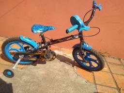 Bicicleta Caloi HotWeels