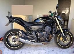 Hornet preta 2012 completa
