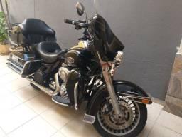 Harley Davidso ELECTRA GLIDE troco e financio aceito carro ou moto maior