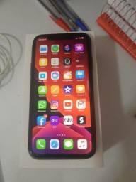 IPhone 11 64 GB pouquíssimo usado com caixa
