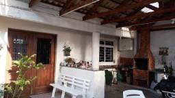 Saraju vende sobrado em condomínio no Jardim das Américas Ref. 77520