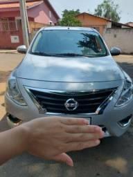 Nissan Versa Automático