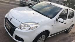 Sandero COMPLETO (sensor de estacionamento)