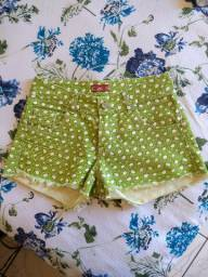 Short com estampa de kiwi