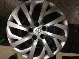 Rodas de ferro com calotas do Corolla GLi