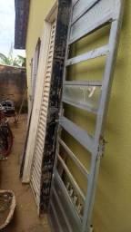 Portas e janelas e grades apartir de 100 reais retirada em águas lindas.
