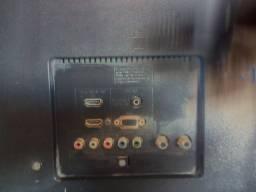 Vendo TV 32 Sony para aproveitar peças, defeito no display