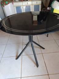 Vendo 1 mesa redonda tampo de vidro, usada, em bom estado