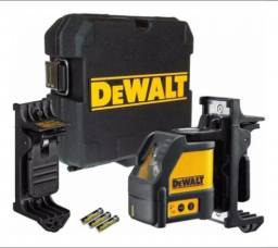 Nível Laser Dewalt Dw088k C/ Maleta E Base Magnética