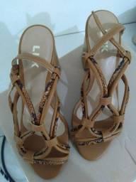 Vendo sandalia usada 2 vezes