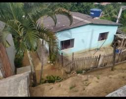 Linda casa com quintal em Jardim de alah