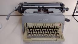 Maquina de escrever Olivetti - Linea 98