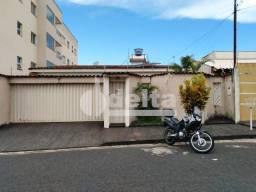 Casa para alugar com 3 dormitórios em Santa monica, Uberlandia cod:642758