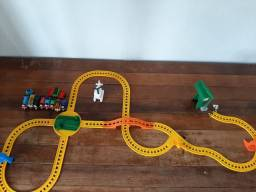 Coleção completa Thomas e seus amigos (pista, trenzinhos e acessórios)