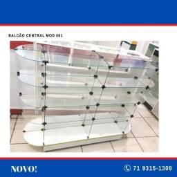 Balcão central vidro modulado