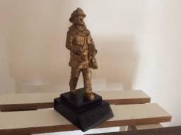 Miniatura bombeiro grande 2