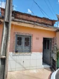 Vende-se esta casa ?