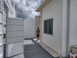 Lindíssima Casa de 3 Qrts Próx da Av das Torres - Analiso Propostas Avista