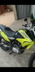 Moto Honda Bros 150