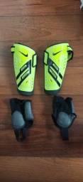 Caneleira de Futebol Nike