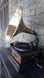 Gramofone antigo FUNCIONANDO