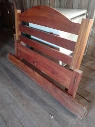 Vendo essa cama de madeira