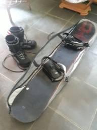 Prancha de snowboard semi nova