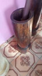Pilão artesanal de madeira de sedrinho