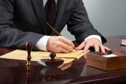 Advogado & Assessor Jurídico