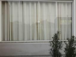 Vendo janela grande com alumínio branco