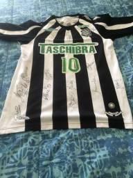 Camisa autografada Figueirense