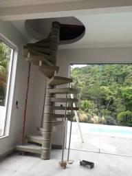 Escadas caracol pré moldada em concreto polido !